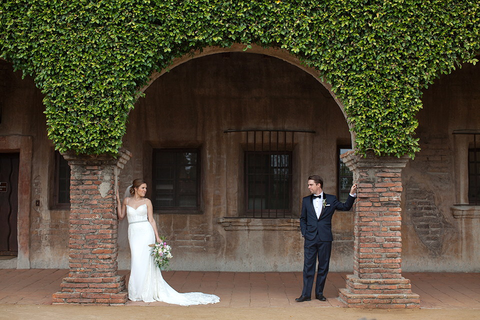 Rustic-wedding-at-the-villa-san-juan-capistrano-bride-and-groom-standing