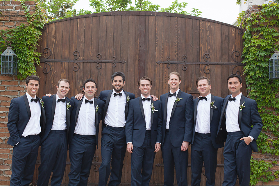 Rustic-wedding-at-the-villa-san-juan-capistrano-groom-with-groomsmen