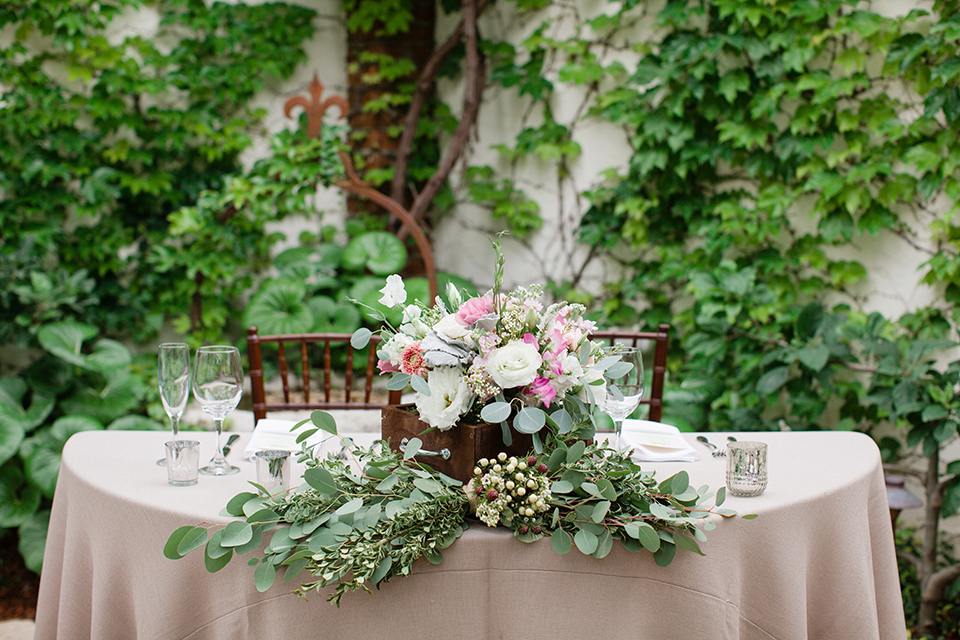 Rustic-wedding-at-the-villa-san-juan-capistrano-sweetheart-table