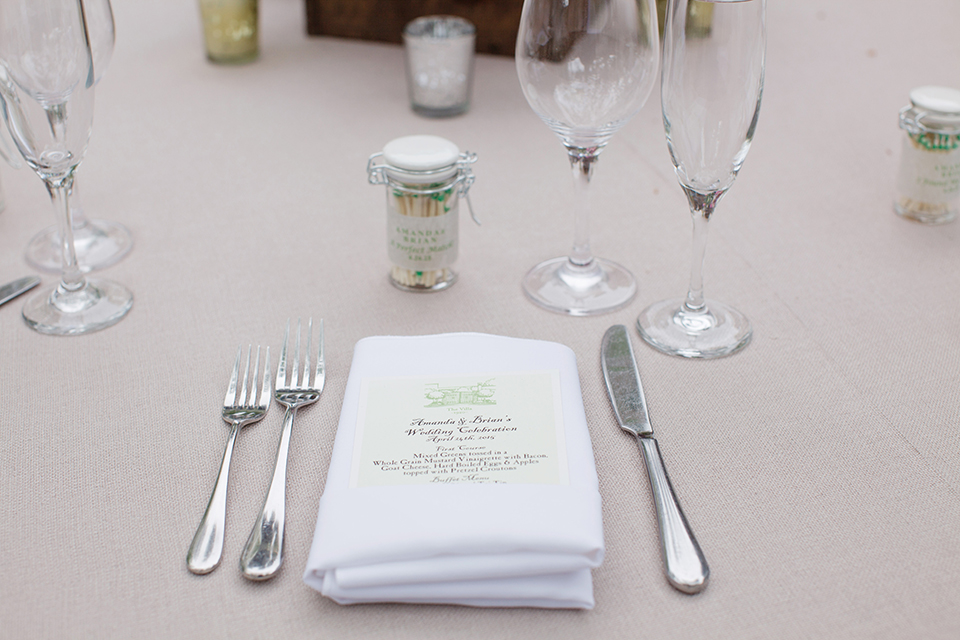 Rustic-wedding-at-the-villa-san-juan-capistrano-table-place-setting