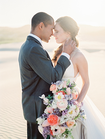 sand-dunes-wedding-shoot-bride-and-groom-at-sunset-with-bouquet