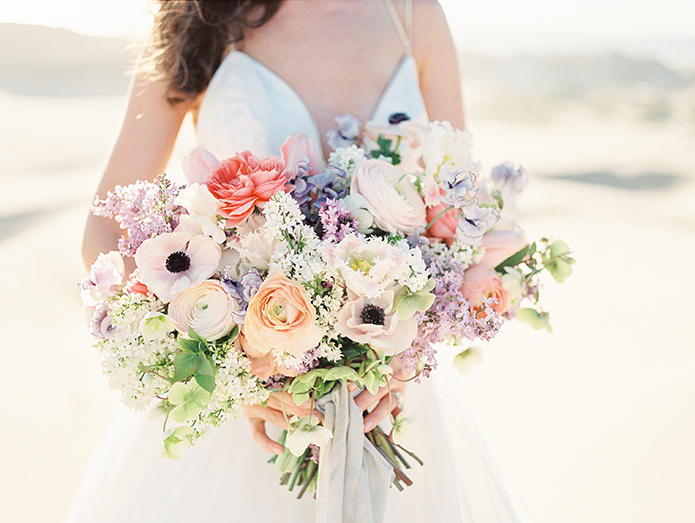 sand-dunes-wedding-shoot-floral-bridal-bouquet-close-up