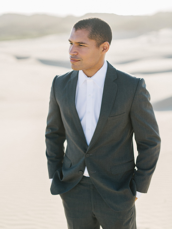 sand-dunes-wedding-shoot-groom-grey-suit