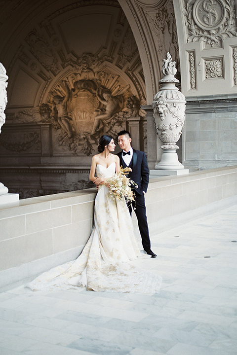 San-francisco-glamorous-wedding-at-city-hall-bride-and-groom-hugging