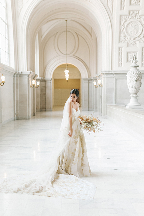San-francisco-glamorous-wedding-at-city-hall-bride