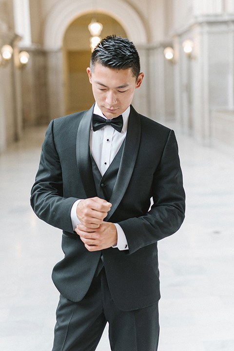 San-francisco-glamorous-wedding-at-city-hall-groom