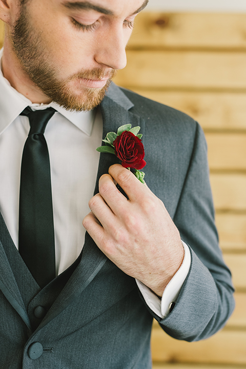 Orange-county-wedding-at-the-colony-house-groom-grey-tuxedo-boutonniere