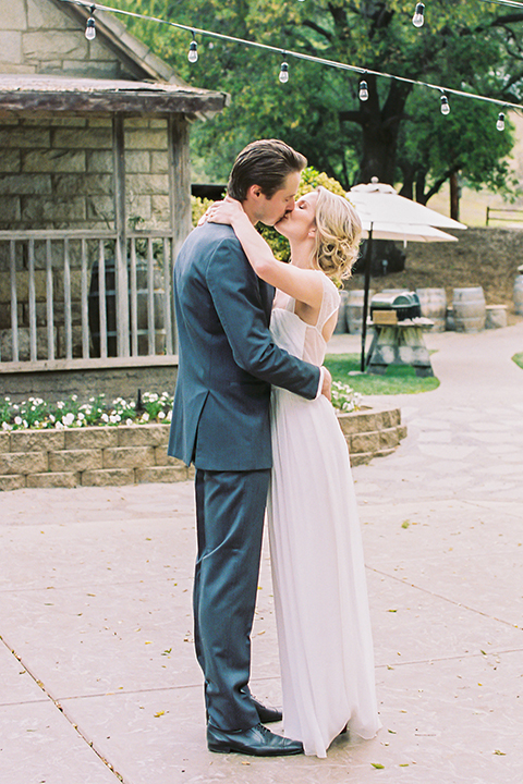 Temecula-stonehouse-wedding-shoot-bride-and-groom-kissing