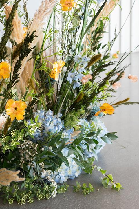 hangar-21-ceremony-florals