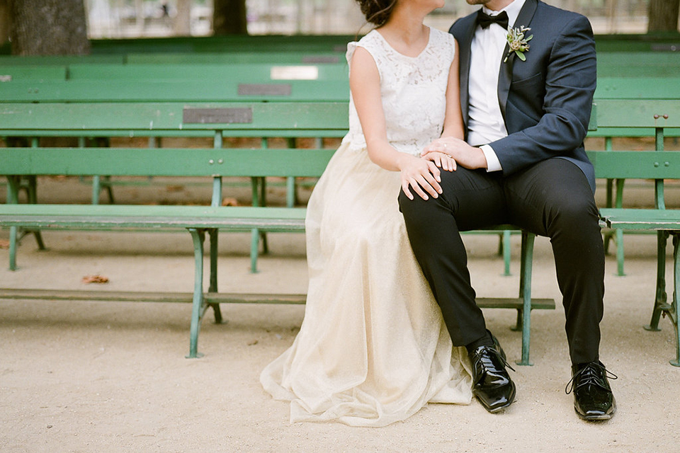 San-francisco-wedding-shoot-at-the-golden-gate-park-bride-and-groom-sitting-on-bench-front-view