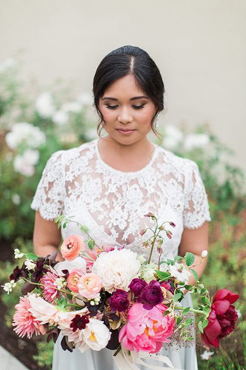 San-diego-outdoor-wedding-at-the-inn-at-rancho-santa-fe-bride-holding-bouquet-close-up