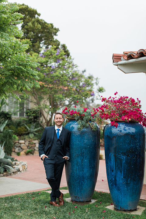 San-diego-outdoor-wedding-at-the-inn-at-rancho-santa-fe-groom-navy-suit