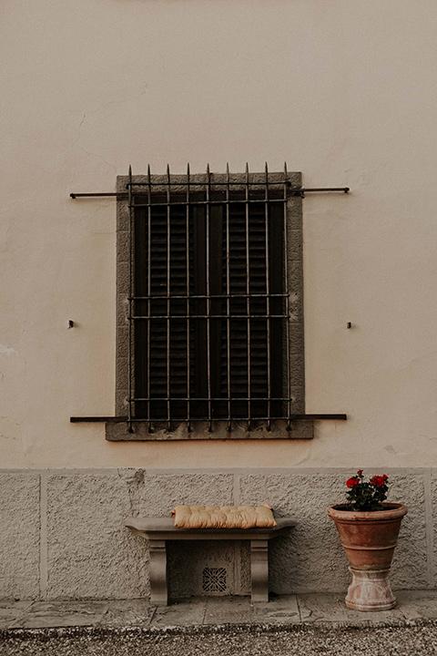 la-dolce-vita-shoot-window