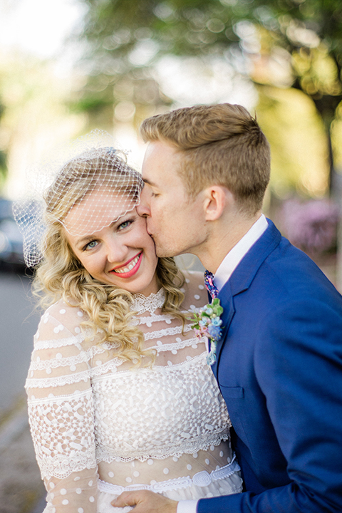 South-carolina-summer-outdoor-wedding-at-the-wickliffe-house-bride-and-groom-kissing