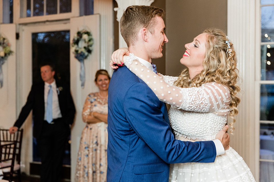 South-carolina-summer-outdoor-wedding-at-the-wickliffe-house-reception-bride-and-groom-first-dance