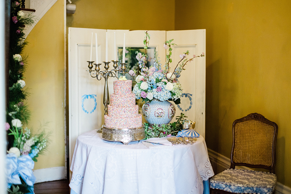 South-carolina-summer-outdoor-wedding-at-the-wickliffe-house-wedding-cake