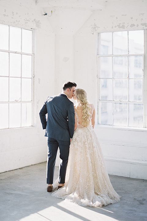 Los-angeles-modern-wedding-at-fd-photo-studio-bride-and-groom-kissing