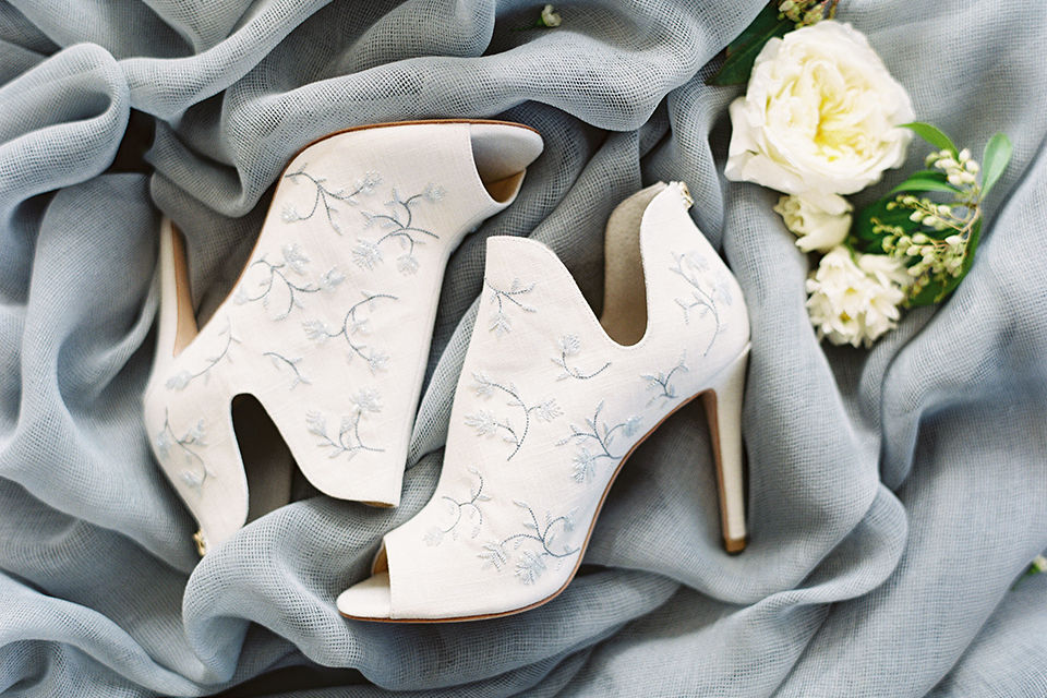Los-angeles-modern-wedding-at-fd-photo-studio-wedding-shoes