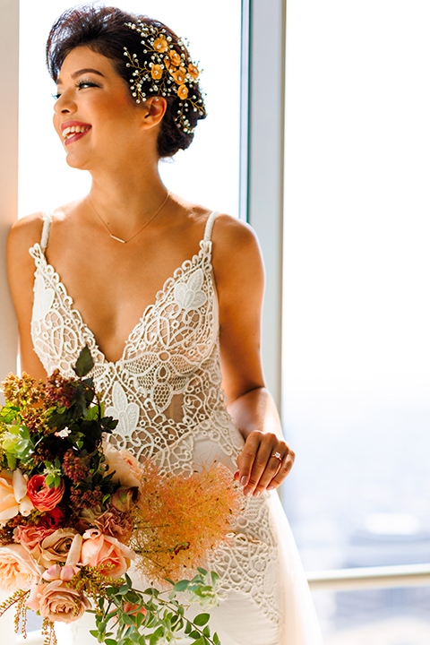 Downtown-los-angeles-wedding-shoot-at-oue-skyspace-bride-holding-bouquet-close-up