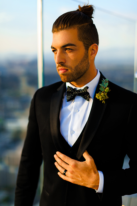 Downtown-los-angeles-wedding-shoot-at-oue-skyspace-groom-black-tuxedo-bowtie-close-up
