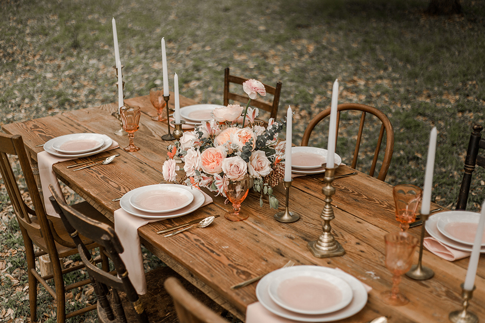Texas-peaches-and-cream-wedding-shoot-at-carola-horse-ranch-table-set-up-with-chairs