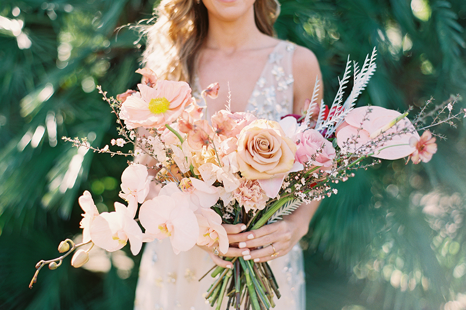 Los-angeles-garden-wedding-at-retreat-malibu-bride-holding-bouquet-close-up