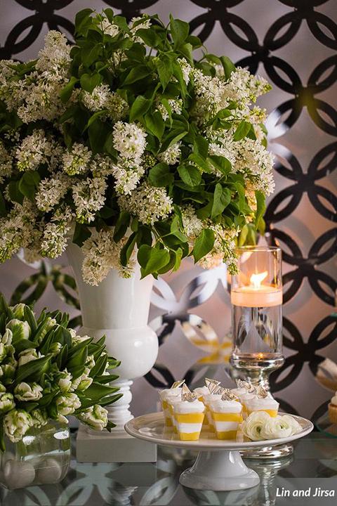 Laguna-beach-outdoor-wedding-same-sex-wedding-dessert-table