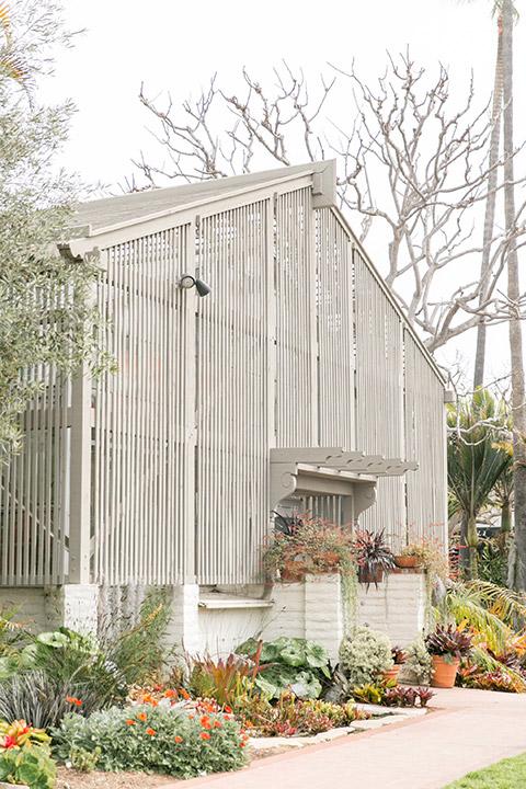 Sherman-library-and-gardens-barn