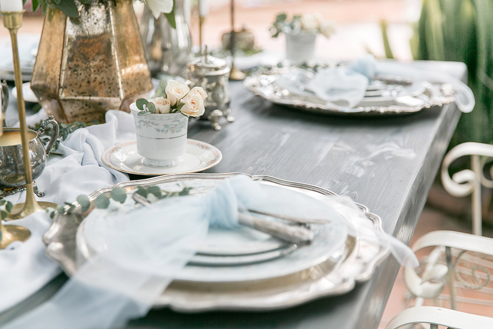 Sherman-library-and-gardens-close-up-on-table-decor