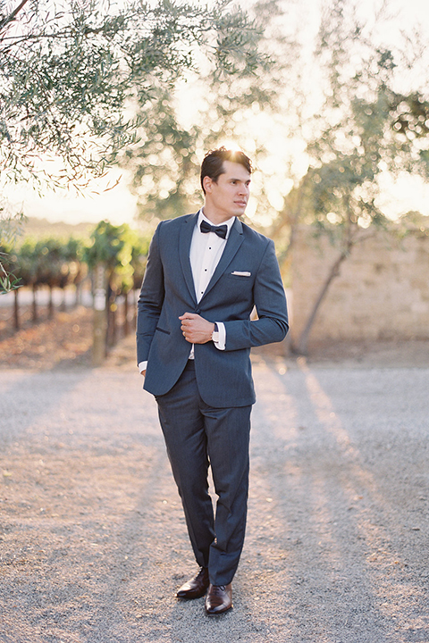 Santa-barbara-outdoor-wedding-at-sunstone-winery-groom-blue-suit