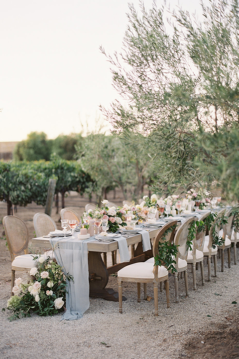 Santa-barbara-outdoor-wedding-at-sunstone-winery-table-set-up