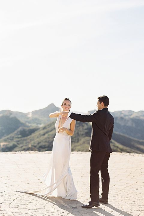 Malibu-rocky-oaks-valentines-day-wedding-shoot-bride-and-groom-dancing-close-up