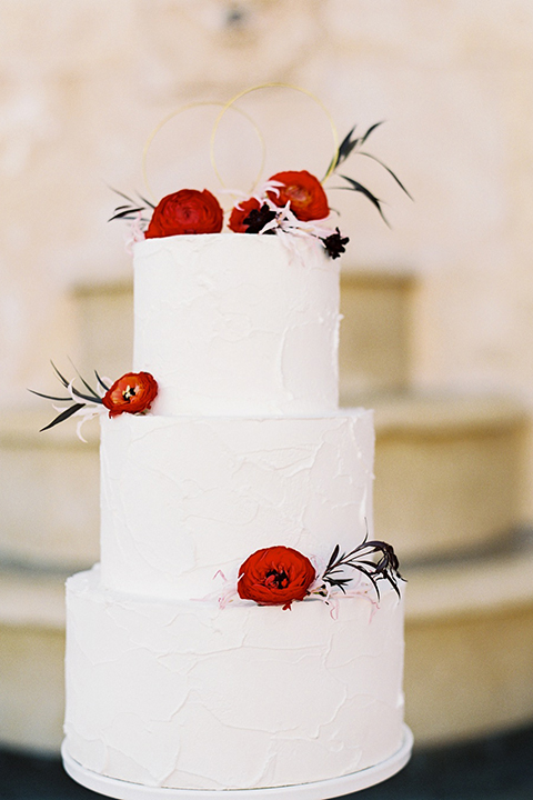 Malibu-rocky-oaks-valentines-day-wedding-shoot-wedding-cake
