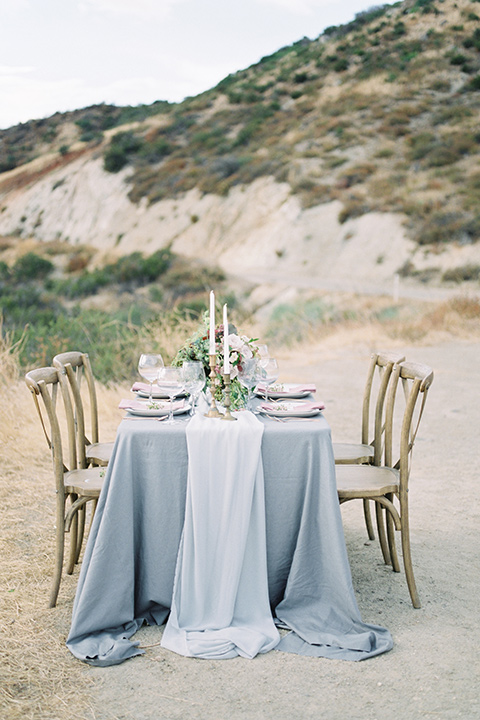 mountain-elopement-shoot-table-setting