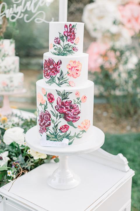 alice-in-wonderland-shoot-cake-with-pink-flower-detail