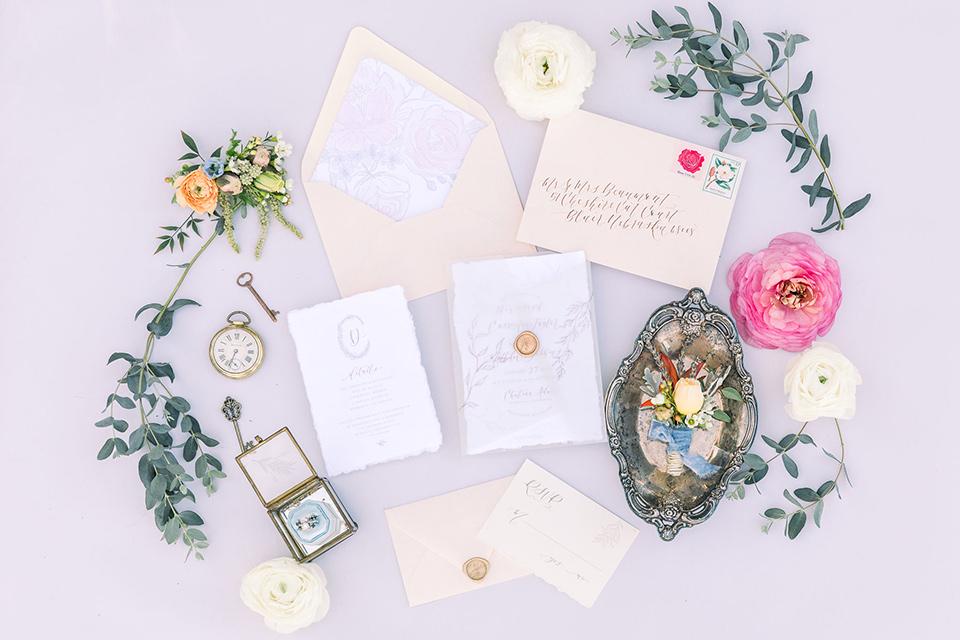 alice-in-wonderland-shoot-invitations