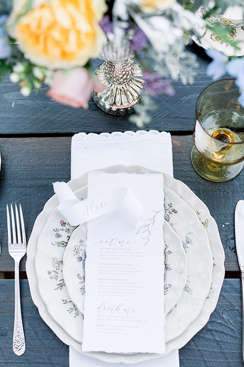 alice-in-wonderland-shoot-table-and-flatware-decor