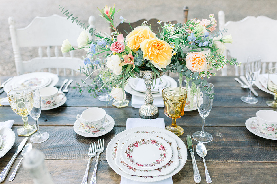 alice-in-wonderland-shoot-table-decor-and-placement