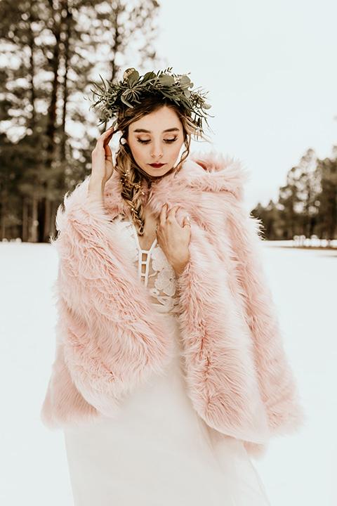 Arizona-Elopement-Shoot-bride-in-pink-wrap