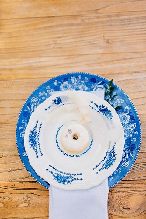 Rancho-las-lomas-blue-shoot-blue-plates-and-flatware
