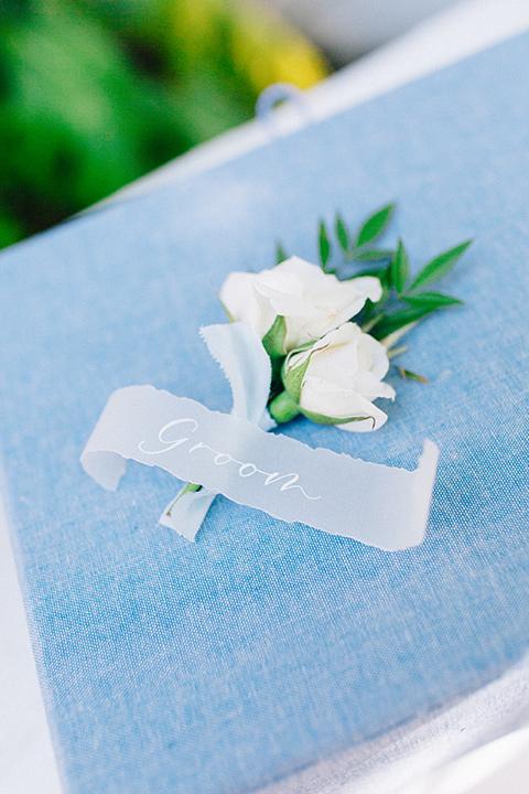 Rancho-las-lomas-blue-shoot-groom-florals