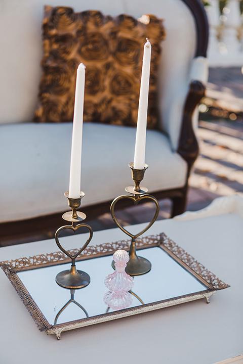 chateau-raquel-romantic-wedding-candle-decor