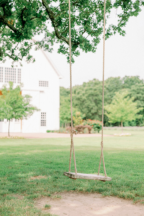 barn-wedding-design-swing