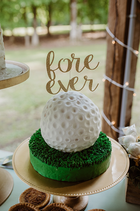 Horse-Range-Vista-grooms-cake-in-the-shape-of-a-golfball