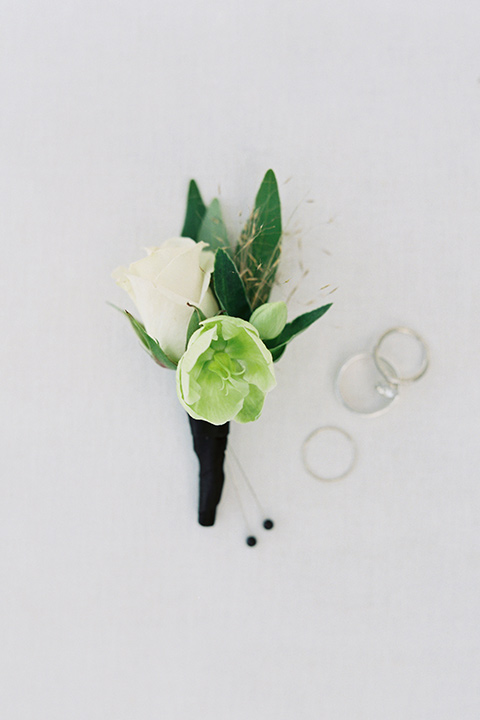 Desert-Lux-Shoot-boutonniere-with-white-florals