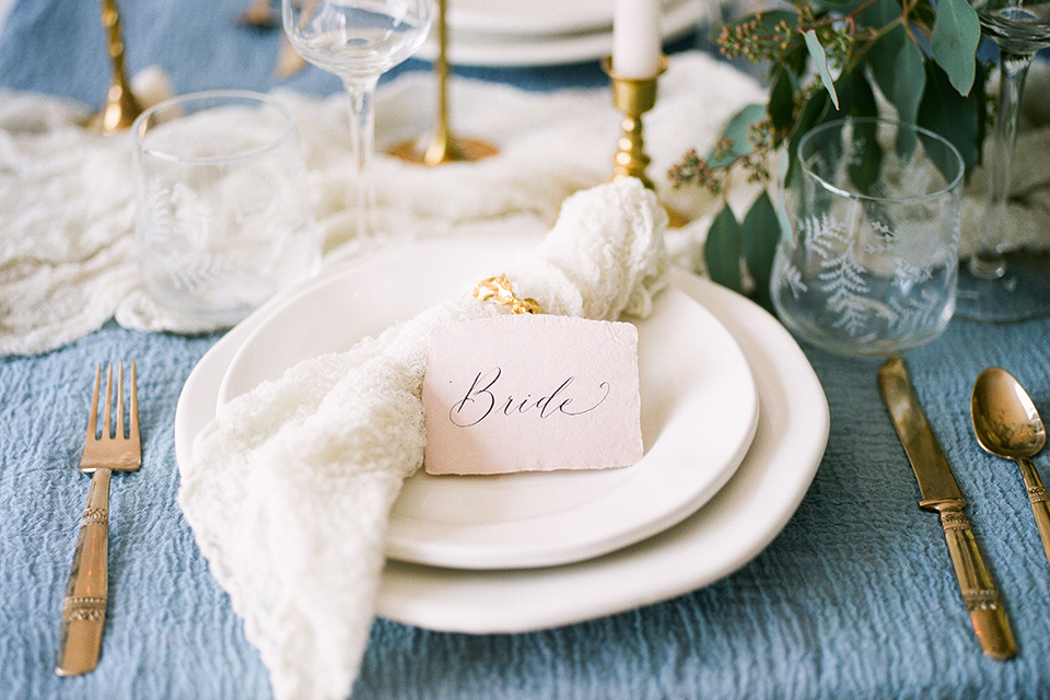 FD-Studios-Shoot-table-scape-with-blue-linens-and-white-and-gold-decor