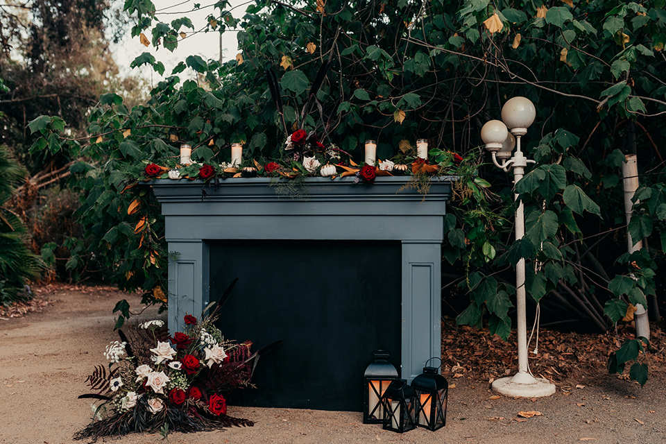 Halloween-fireplace-decor