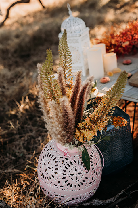 boho florals and vase decor