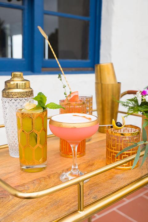 Ole-Hanson-Beach-Club-cocktails