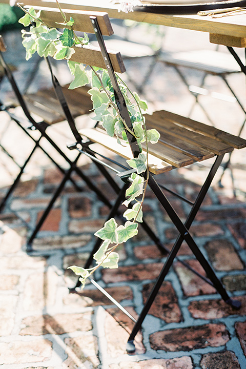 II-Mercato-in-New-Orleans-chair-with-ivy